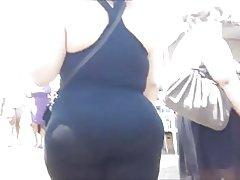 Big booty latin redzēt cauri